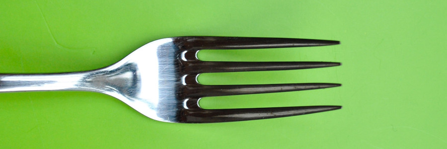How To Pick The Best Toddler Utensils For Your Little Ones