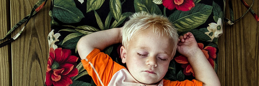 When and What to Feed Your Kids Before Bedtime